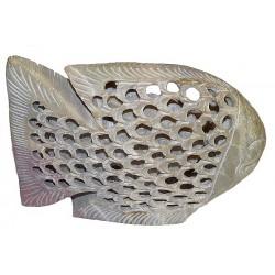 Gros poisson en pierre ajourée