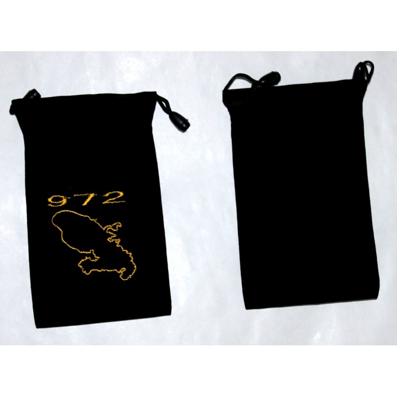 pochette martinique t l phone avec l criture 972 brod e couleur or. Black Bedroom Furniture Sets. Home Design Ideas