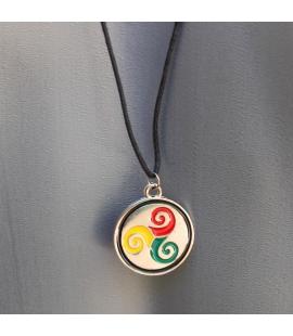 Collier pendentif triskell