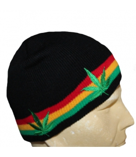 Petit bonnet noir feuilles
