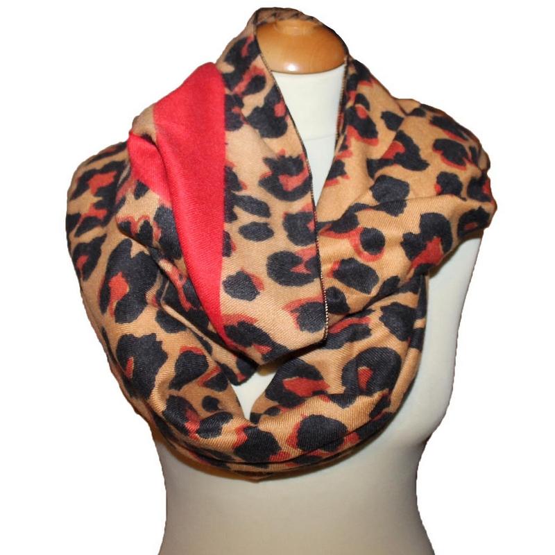 2494649474d ... Echarpe imprime leopard rouge ...