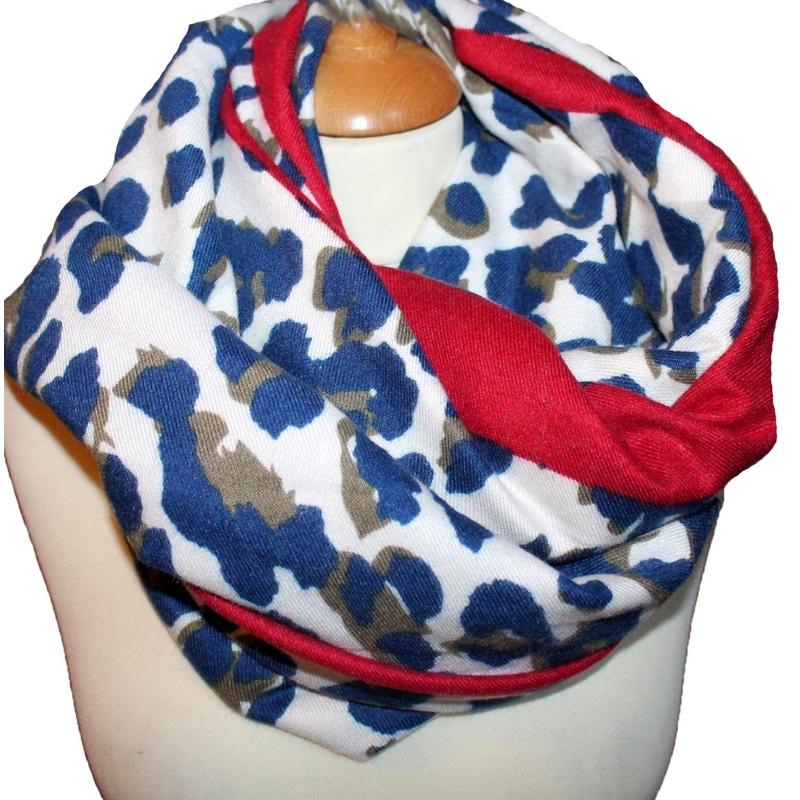 Grand foulard imprime leopard bleu · Grand foulard imprime leopard bleu 2  ... 45026670e17