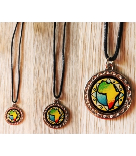 Collier medaillon Mama Africa