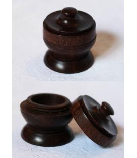 Petit pot en bois